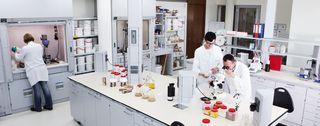 Menzerna - sviluppa e produce paste abrasive da più di un secolo